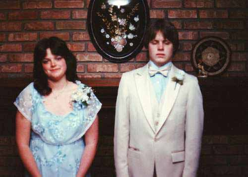 Super Awkward Funny Prom Picture - SlightlyQualified.com Funny Pics