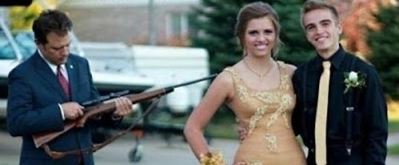 15 Funny, Awkward and Crazy Prom Pictures
